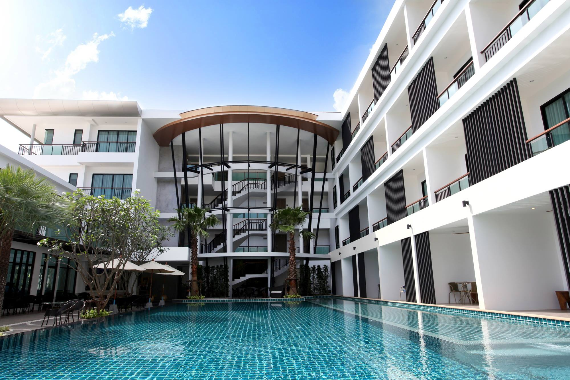 The pago design hotel phuket thailand best hotels and for Design hotel phuket